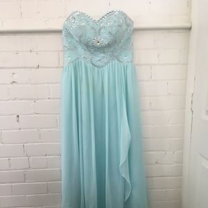 Dresses - Bridesmaid / Prom Dress
